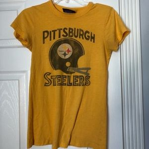 Vintage Steeler football T-shirt by junk food